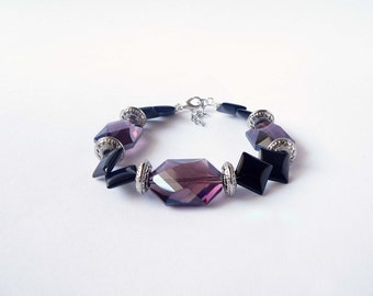 Purple and black bracelet handmade with agate and crystal stones. ooak made in Italy