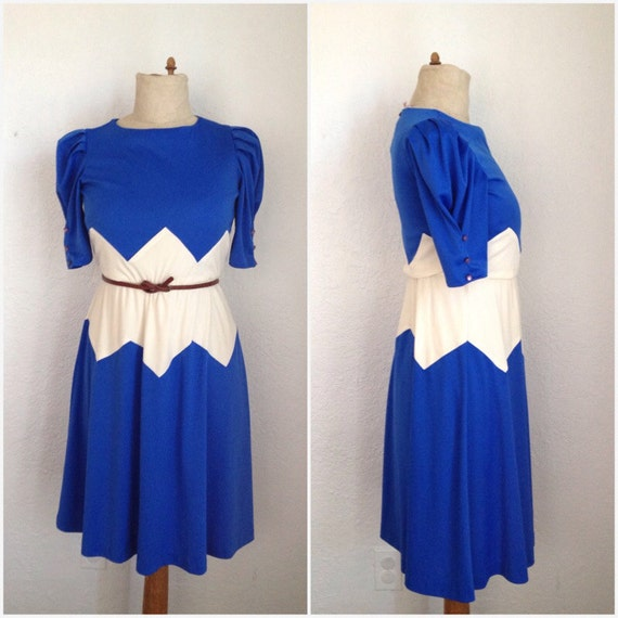 VTG 1970's Blue and Cream Zig Zag Dress