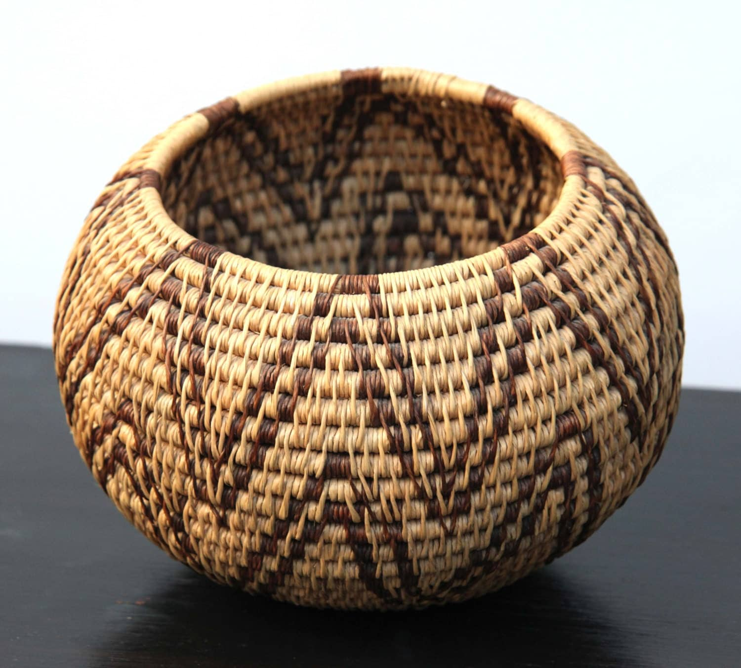 How To Hand Weave A Basket : Antique pima native american indian hand woven by