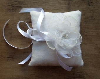 Wedding Ring Bearer Pillow Ring Pillow in Ivory White Cotton Canvas Pillow with Organza Flower and Satin Ribbon