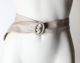 Vintage Women's Beige Leather Waist Belt, Cinch Belt