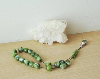 Green resin worry beads, marbled green worry beads on black cord, Greek komboloi, mala, parayer beads, forrest green beads, Greek folk art