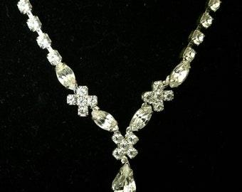 Vintage 1940's Teardrop/Pear Shaped Crystal Drop Necklace