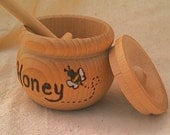Honey Pot and Dipper with Honey Bee // In-Stock Ready to Ship // Little Cooker // Wooden Kitchen Toy // Waldorf // Kitchen // Play Food