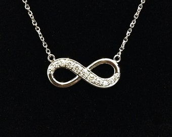 Medium 14k Gold Graduated Diamond Infinity Necklace
