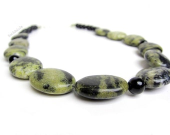 yellow turquoise necklace with black onyx - handmade by RockinLola