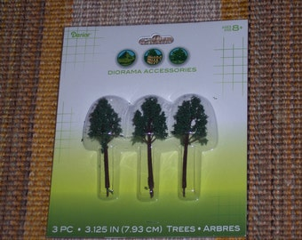 Diorama trees,3.125 inch tall,3/pkg,plastic,deciduous trees,school projects,Holiday crafting,model rail road layouts