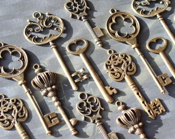 18 Vintage style Skeleton Key Collection antiqued bronze Alice in Wonderland party wedding decorations