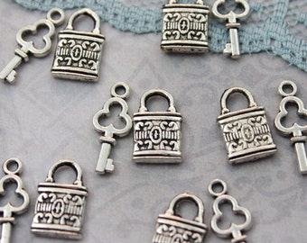 5 Set Antique Silver Vintage Style Tiny Lock & Key Charms