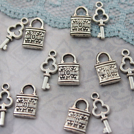 vintage style key set - photo #44