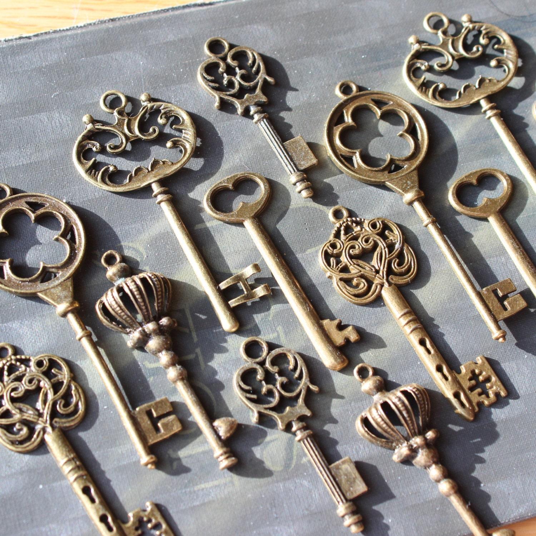 zoom. 18 Vintage style Skeleton Key Collection antiqued bronze Alice