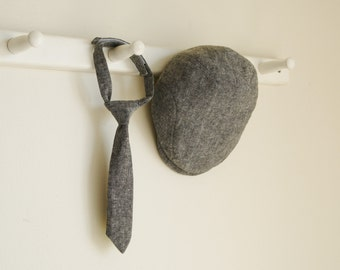 Black linen newsboy hat and necktie set, baby boy photo prop flat cap and tie set -  made to order