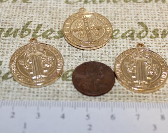 4 pc - 25mm Reversible San Benito coin pendant made of lead free pewter bright Gold color