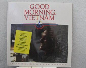 Good Morning Vietnam Soundtrack vinyl record, Robin Williams (NT)