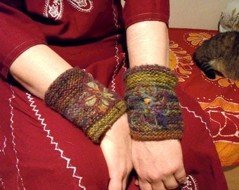 Lithuanian knit arm warmers /  hand knit wrist warmers in earth tones /made to order