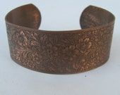 vintage Nouveau cuff  Brass etched Ornate 1 inch wide metal rr BB37
