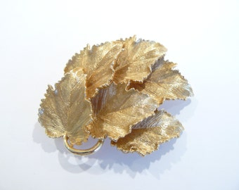 Gorgeous Vintage High Quality Dimensional Leaves Brooch