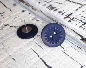 Midnight Flower Button Earrings - Medium