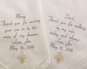 hnliche artikel wie mama papa bestickt hochzeit hankerchiefs taschent cher 2 personalisierte. Black Bedroom Furniture Sets. Home Design Ideas