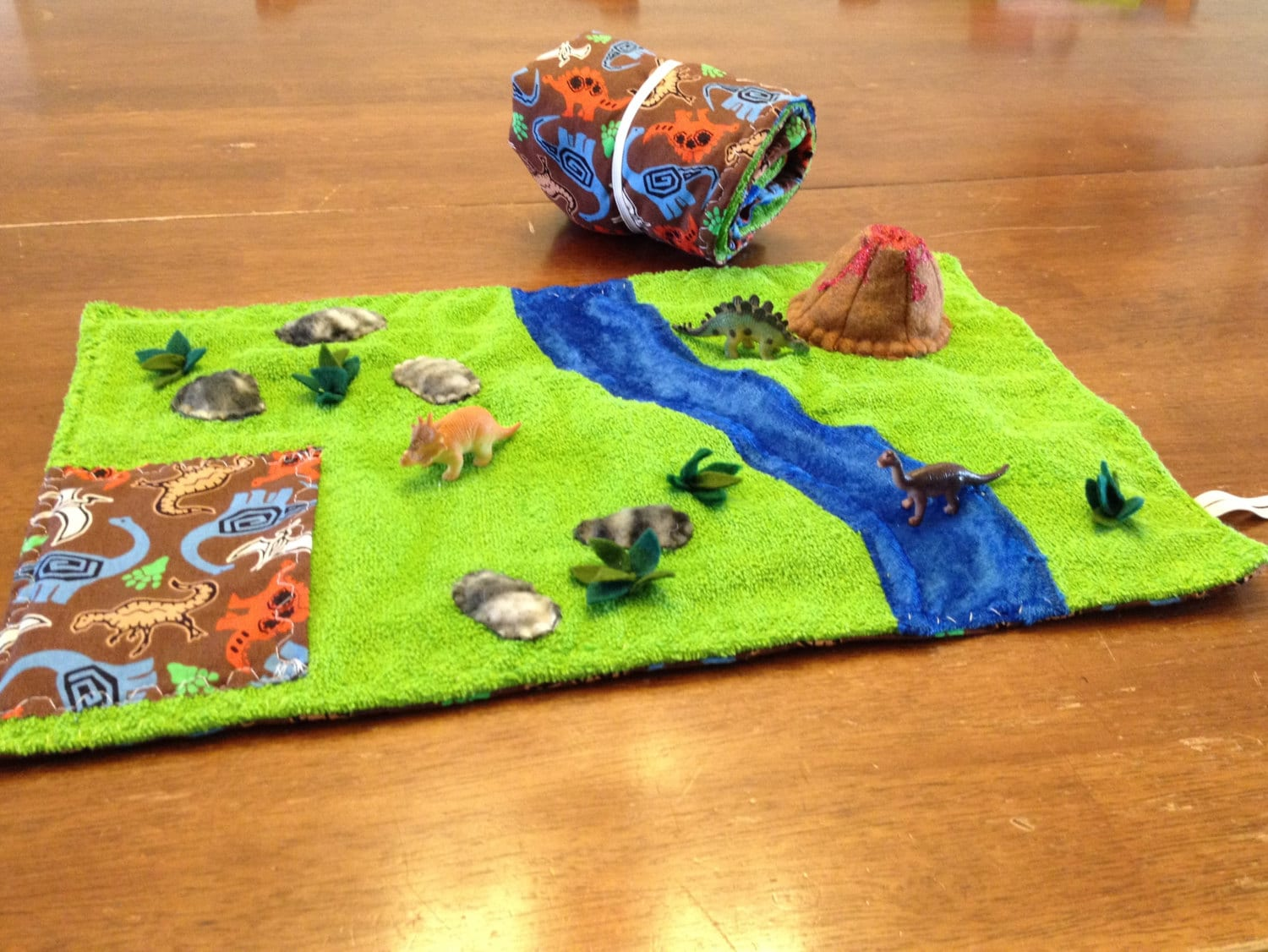 Dinosaur Play Mat W Dinosaurs By Need2craft On Etsy