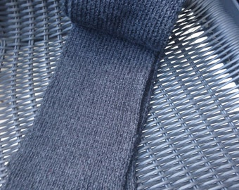 Grey/Black knitted scarf