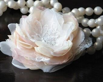 Champagne hair flower Blush champagne hair flower Blush headpiece Ivory blush hair flower Blush hair piece Hair flower Bridal haedpiece
