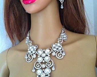 Stimulated Pearl Bridal Jewelry Necklace Earrings Set