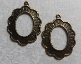 "Vintage plate brass stamped scallopped earring blanks,1&3/8th""x1"",2pcs-ERG74"