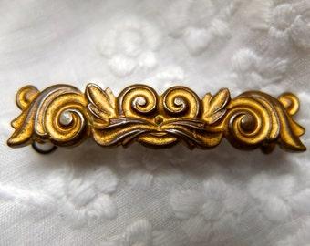 Antique pin / metal brooch / fleur de lys / gold garland