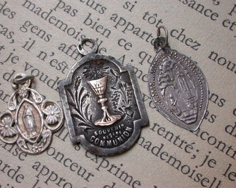 French antique 19th century sterling silver medal First Communion Gold vermeil ornate our lady jusus lourdessacred heart grape gothic cross
