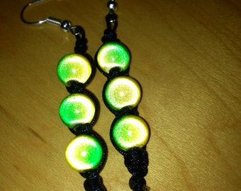 Light reflective bead earrings