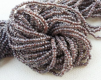 FULL HANK 12 strands Czech 11/0 seed beads  - Taupe Lined Crystal - approximately 36 grams / 4000 rocailles