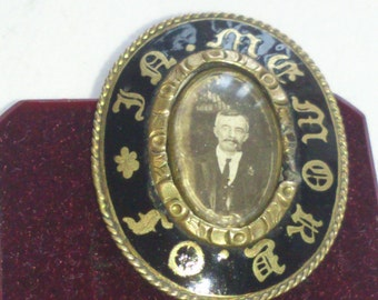 Antique Victorian mourning brooch