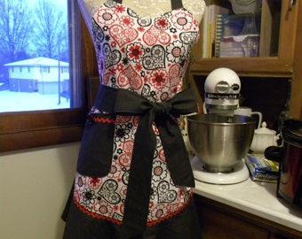 Sweet Hearts/full apron with black accents