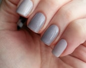 Thermal Nail Polish Grey Ghost White to Grey Color Changing