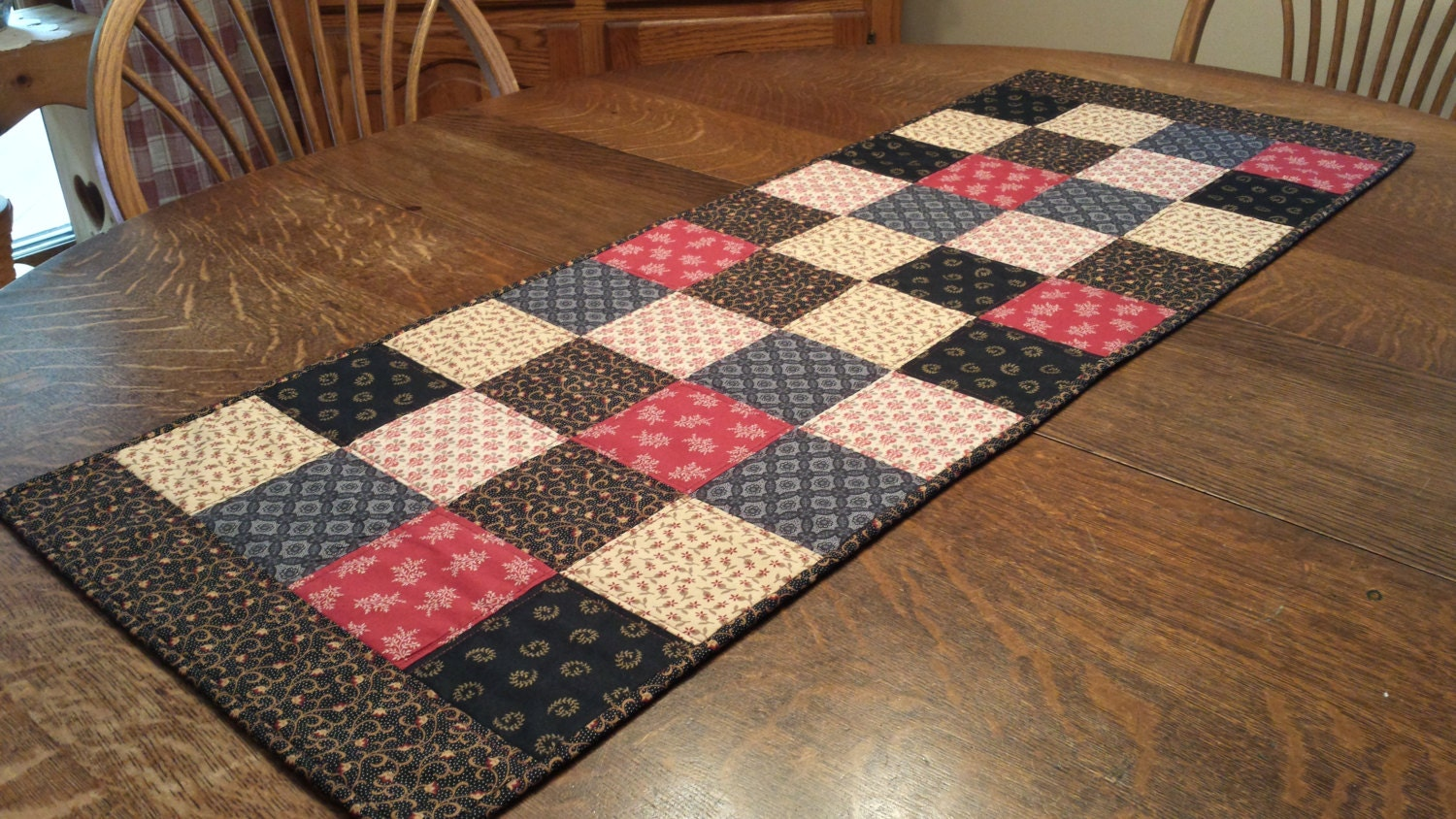Quilted table runner table runner table runners quilted for Table runner