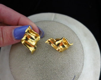 Vintage Signed Avon Zig Zag Earrings