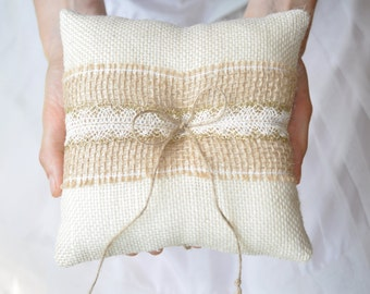 Burlap Ring Pillow Ivory Burlap Bearer Pillow Ring Cushion with Lace Ring pillow Woodland / Rustic / Cottage style Weddings