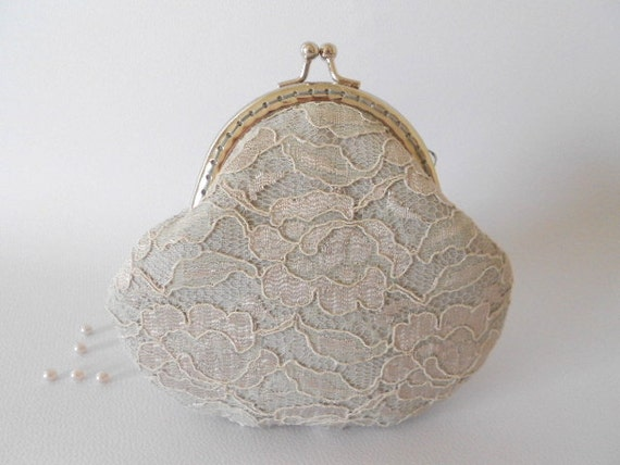 Coin Purse light gray linen and Lace,Columbine Wedding Bridesmaid with Kisslock