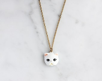 Jumpee Cat Necklace, White Persian cat