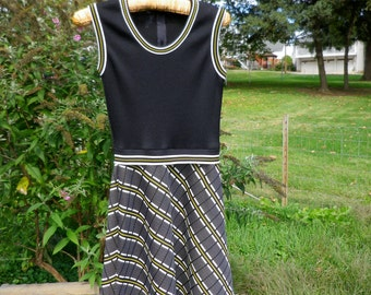 Vintage 1970s Black, White, and Yellow Print Dress, Small/Medium