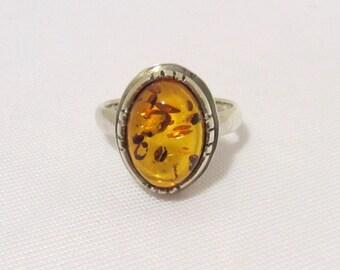Vintage Modernist Sterling Silver Natural Baltic Amber Bold Ring Size 7.75