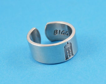 TARDIS - Bigger on the Inside Ring - Dr Who