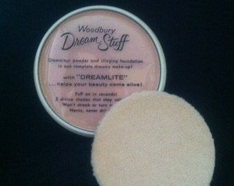Woodbury Dream Stuff in a plastic compact, 1940s cosmetic with puff. Never used. Tinted foundation and powder in one. Andrew Jergens Company
