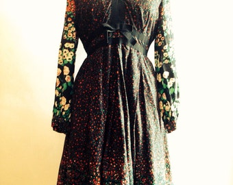 Vintage 70s Print Dress