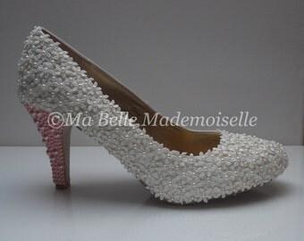 White Lace Wedding Shoes, Lace Wedding Shoes, Lace Bridal Shoes, Pearl Wedding Shoes, White Wedding Shoes, Wedding Shoes, Bridal Shoes