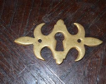 Antique French Brass Fleur De Lis Design Keyhole Escutcheon Hardware