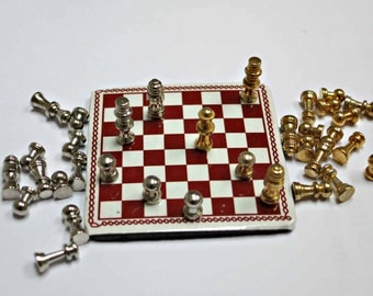 Miniature board game  Chess Piece sliver16pcs & gold 16pcs with board