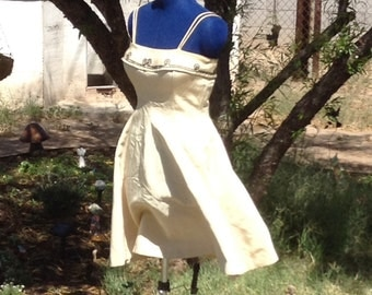 Vintage 50s dress with black detailing great for the holiday partys