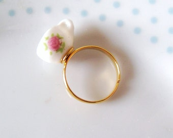 Pretty Floral Teacup Ring, Tea cup, Retro,Flower, Gold, Adjustable, Miniature, Tea Party, Cute